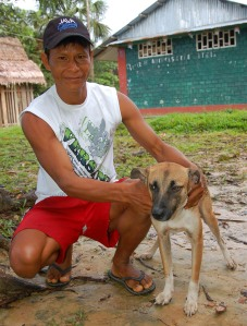 Bora man Brito Tilley and dog. Photo by Campbell Plowden/Center for Amazon Community Ecology
