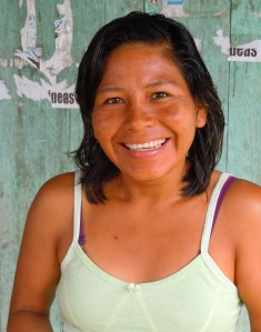 Felicita Butuna - artisan from Brillo Nuevo.  Photo by Campbell Plowden/CACE