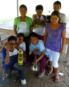 Winning secondary school class in juanes competition at Brillo Nuevo. Photo by Campbell Plowden/CACE