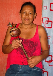 Elbita Tangoa Pinedo with maraca. Photo by C. Plowden/CACE
