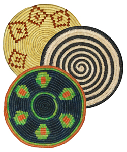 3 models of Amazon hot pads made by Ampiyacu native artisans. Photo by Campbell Plowden/Center for Amazon Community Ecology