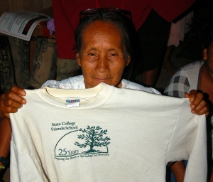Bora artisan with State College Friends School sweatshirt. Photo by Campbell Plowden/Center for Amazon Community Ecology