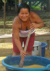 Bora woman making masato at Brillo Nuevo. Photo by Campbell Plowden/Center for Amazon Community Ecology