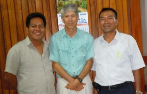 Campbell Plowden with FECONAU leaders in Pucallpa.  Photo by Center for Amazon Community Ecology